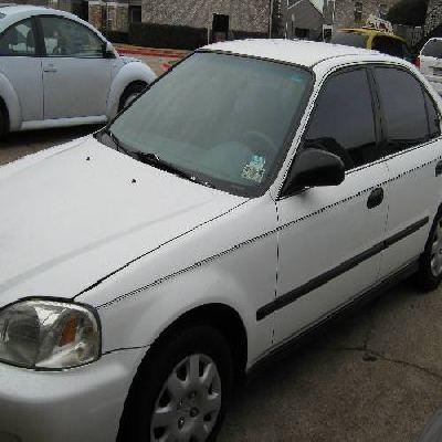 Honda civic sedan del 2000, blanco en remate