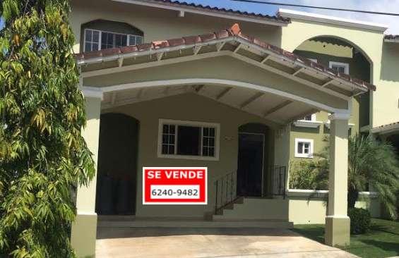 Alquiler de casa en villa lucre villa de azores usd $ 1300